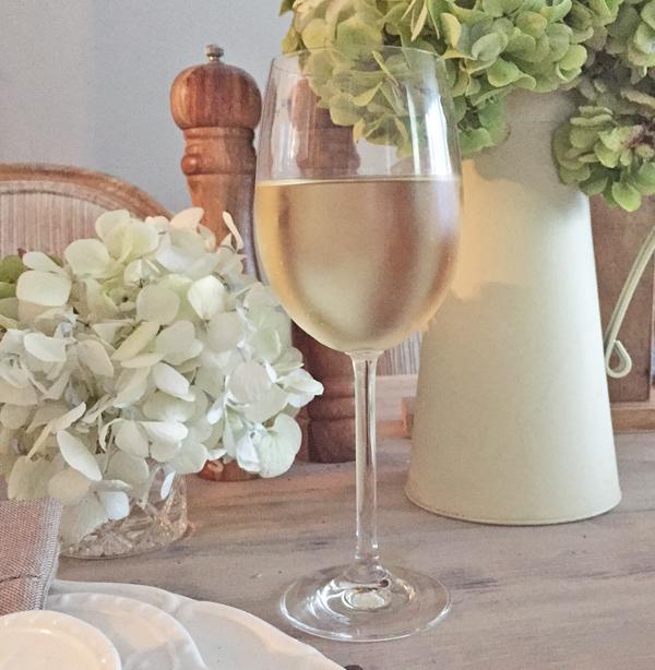 White Wine Glass Hire