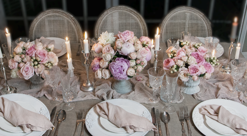 wedding hire linen napkins, crystal glassware, charger plates